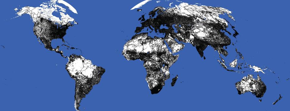 Density of roads globally Laurance et al Sept 11 2014 nature13717-f1