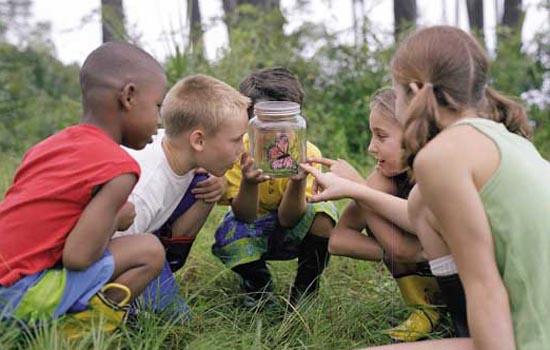 Los-niños-corren-más-peligro-en-casa-que-en-la-naturaleza