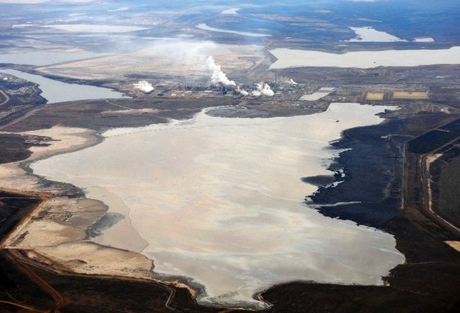 Syncrude tailings pond Reuters 1297325708051_ORIGINAL